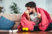 Męskie przeziębienie istnieje. Dlaczego faceci umierają od kataru?