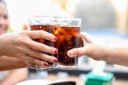Podatek cukrowy. Wiemy, ile podrożeją napoje