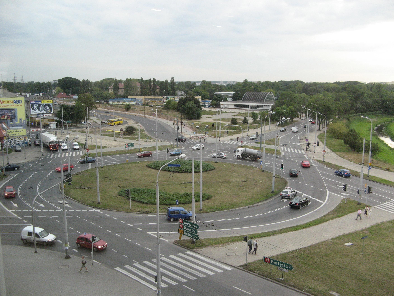 Lublin_Al._Unii_Lubelskiej,_Al._Zygmuntowskie,_Roundabout.jpg