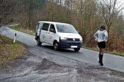 Prostytutka ukarana za stanie przy drodze. A podobno do pracy można wychodzić…