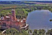 Zamek podbity jeszcze przed ukończeniem budowy. Siedem osób zatrzymanych