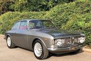 Ta Alfa Romeo Giulia to nie tylko samochód, to cudo na kółkach