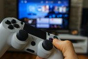 PlayStation 5 i Xbox Series X: starcie gigantów. Różnice, podobieństwa i gdzie kupić najtaniej