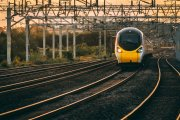 13–latka potrącona przez pociąg. Zagapiła sięw telefon