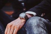 Najciekawsze nowoczesne zegarki z nutą elegancji