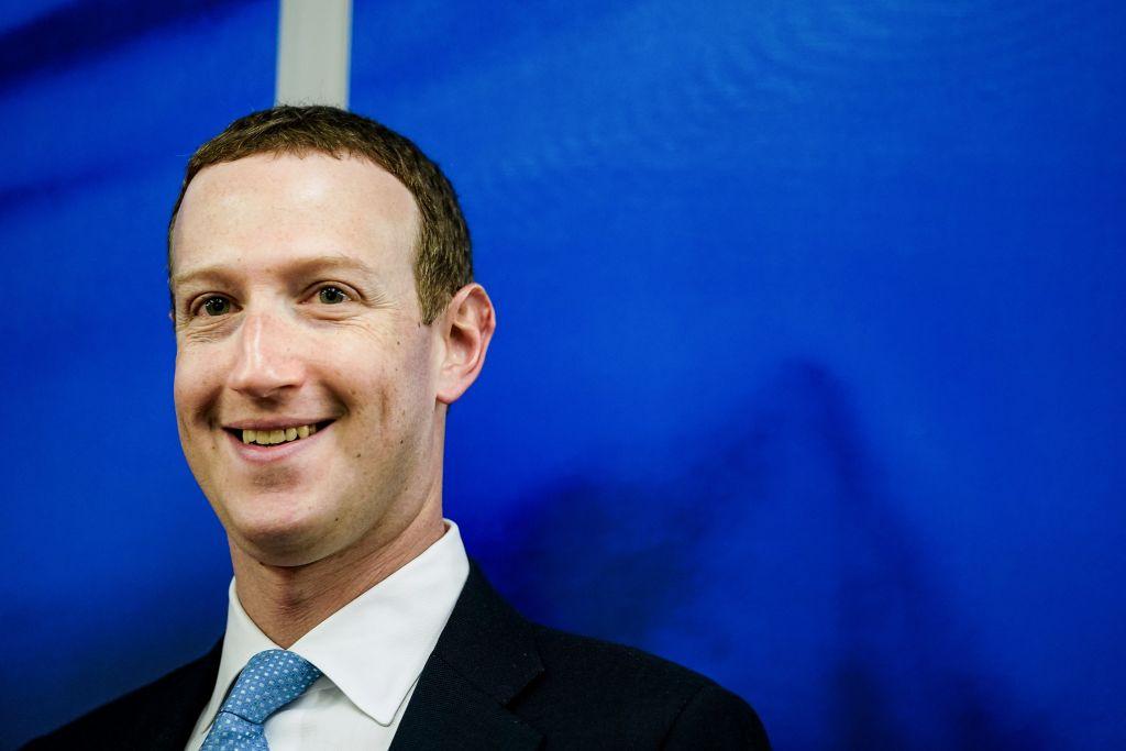 Mark-Zuckerberg-Surfing.jpg