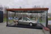 Opel Vectra A jako relikwia w Radzyminie