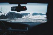 Czy warto mieć ubezpieczenie szyb samochodowych?