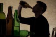 Uzależnienie od alkoholu – objawy, skutki, leczenie
