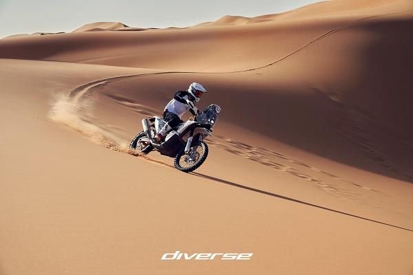 small Diverse_Dakar_L_1.jpg
