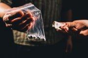 Ile można zarobić na sprzedaży narkotyków? Dilerzy mówią o zarobkach