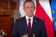 Marszałek Senatu wygłasza orędzie. TVP: 'Tu miał być twój ulubiony mecz'