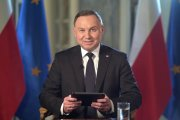 Prezydent Duda się uaktywnił. Ściga nastolatków i pisarza