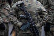 Majtki, hełm, mundur tropikalny - wojsko wyprzedaje swój sprzęt
