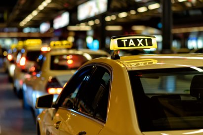 /moto/kobieta-urodzila-w-taksowce-odpowiedz-firmy-godna-podziwu,25271,1,a.html