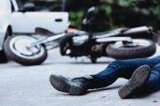 Pijany motocyklista bez prawa jazdy spowodował wypadek. Odpowie za to poszkodowana