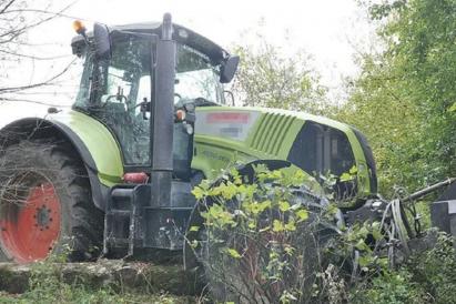 /lifestyle/nacpany-radny-pis-ukradl-traktor-i-chcial-zdobyc-swiat,25745,1,a.html