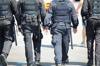 https://www.ckm.pl/lifestyle/nowy-projekt-policjanci-maja-byc-scigani-z-urzedu-za-lamanie-prawa,24948,1,a.html